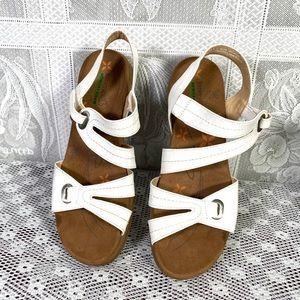 Baretraps women's sandals